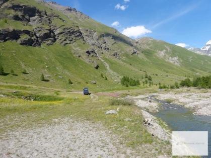 Den herrlichen Tag am Bergsee genießen.